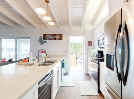 Cuda Canal Cottage, vacation rental in Key Largo