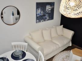 Nice cozy and welcoming apt in a quiet suburb, viešbutis mieste Vanvas