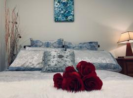 The private , green and cozy home in Caulfield, hotel near Caulfield Racecourse, Melbourne