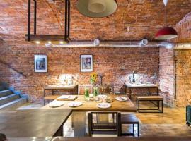 Little Britain EXCLUSIVE apartament 200M2 SAUNA&SPA Hen & Stag Do, serviced apartment in Kraków