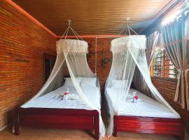 Cat Tien Farmer Lodge, lodge in Quan Tom