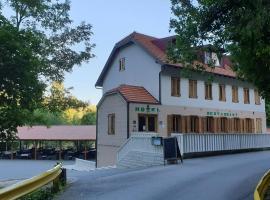Hotel Roški slap, hotel in Drniš