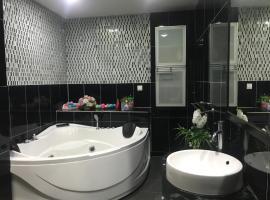 Sherry Luxury Homestay, hotel di Pasir Gudang