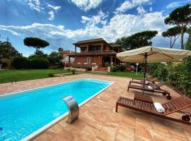 Luxury Italian Villa by the beach near Rome, hotel with pools in Anzio