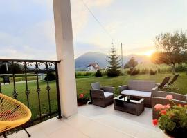Apartment Golden Fields, hotel in Smoljanac