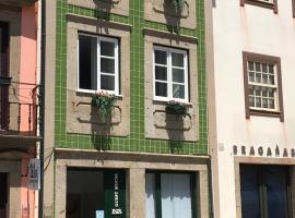 ÍSIS Guest House, quarto em acomodação popular em Braga