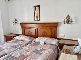 Hostal Dianes – hotel w mieście Nerja