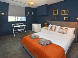 Townhouse PLUS @ London Road Stoke, hotel in Stoke on Trent