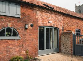 Stables & Coach House, pet-friendly hotel in Foulsham