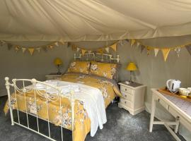 Bramble Lodge Glamping, luxury tent in Louth
