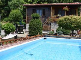 Baita La Stradella, hotel in Serravalle