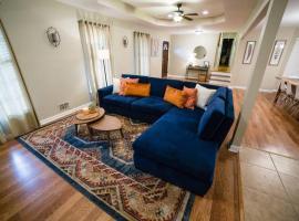The Boho Abode (Discover Your Zen!! Travel Nurses Welcome), villa in Atlanta