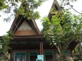 Laster Jony's, guest house in Tuktuk Siadong