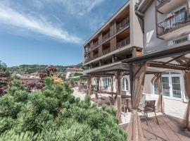 Hotel Bellavista, hotel in Cavalese