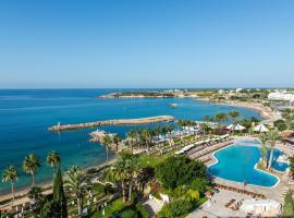 Coral Beach Hotel & Resort Cyprus, viešbutis Koralų įlankoje