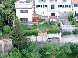 House H-ELIOS, budget hotel in Lovran