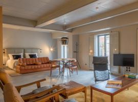 Raw Culture Art & Lofts Bairro Alto, self-catering accommodation in Lisbon