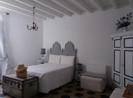 Casa tipica carlofortina, holiday home in Carloforte