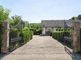 Classy Holiday Home in Mechelen with Private Terrace, pet-friendly hotel in Mechelen