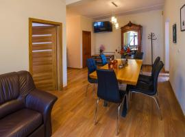 Wadowice Apartments, hotel with parking in Wadowice