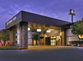 Crowne Plaza Suffern-Mahwah, an IHG Hotel, hotel near Ramapo College, Suffern
