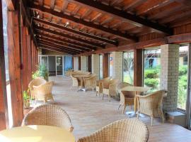 ULVF Hôtel Castel Luberon, מלון באפט