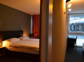 Hotel Les Rives Du Doubs – hotel w mieście Les Brenets