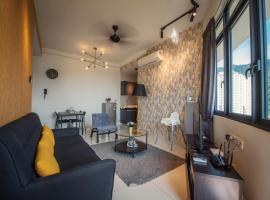 The Golden @ New Arte S Condo @ FREE WIFI, hotel in George Town