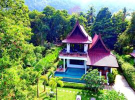 Family Seaview Villa with Pool 6Bedrooms, vacation rental in Ko Chang