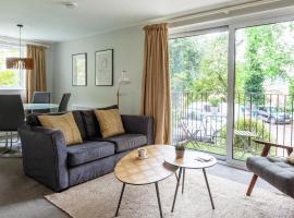 Luxury 2 Bedroom City Apartment in Bath's Artisan Quarter, hotel near Bath Assembly Rooms, Bath