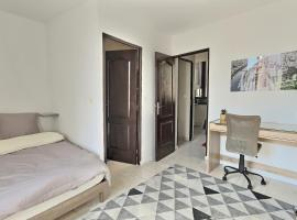 3 appartements au calme dans un immeuble historique, hotel in Béziers
