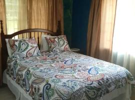 GranAnn's Place, budget hotel in Kingston