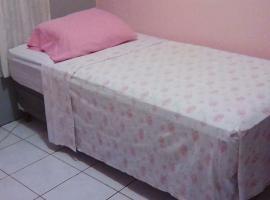 Hostal Cristel, hotell nära Augusto Cesar Sandino internationella flygplats - MGA,