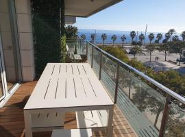 Habitacion double. Piscina, terraza vistas del mar, hotel in Badalona