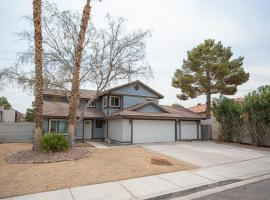 Secluded Getaway. Spacious and bright. Fall in love!, villa in Las Vegas