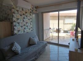 Appartement Soleil Marin Collioure avec Extérieur, proche centre et plages, pet-friendly hotel in Collioure