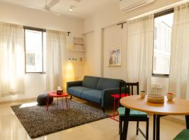 1BHK - Bandra - Quirky - The Bombay Home Company, self catering accommodation in Mumbai