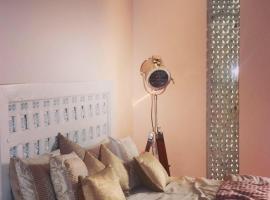 Shreeji (Villa no.104) :: Luxury, pet-friendly hotel in Udaipur