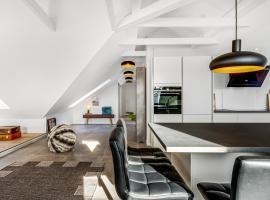 Adnana - Penthouse 3 bedroom - Heart of Aalborg, hotel near Aalborg Airport - AAL,