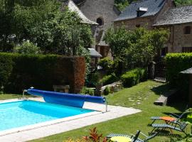 L'Auberge du Chateau, hotel near Rodez - Aveyron Airport - RDZ, Muret-le-Château