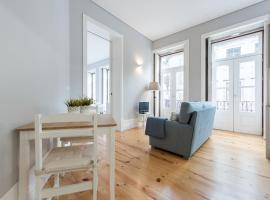 LovelyStay - Porto Windows with AC by central station, apartmán v Portu