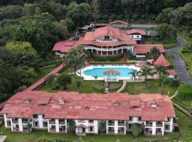 Hotel Martino Spa and Resort, hotel in Alajuela