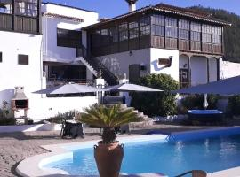 Ziggys Boutique Bed & Breakfast, vacation rental in Vilaflor