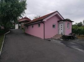 House at the trees, hotel v mestu Bogojina