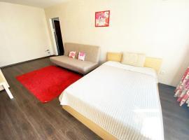 Apartment Ibragimova 25, hotel near Yakutov Park, Ufa