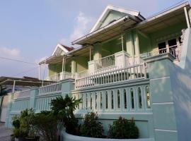 Villa Sigura-gura, villa in Malang