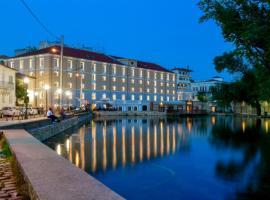 Hydrama Grand Hotel, hotel in Drama