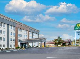 La Quinta Inn by Wyndham St. Louis Hazelwood - Airport North, hotel near Lambert - St. Louis International Airport - STL, Hazelwood