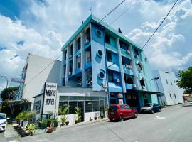 Milvus Hotel, hotel di Kuah