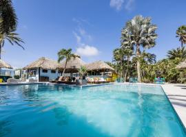 Van Gogh Inn Aruba, hotel em Palm-Eagle Beach